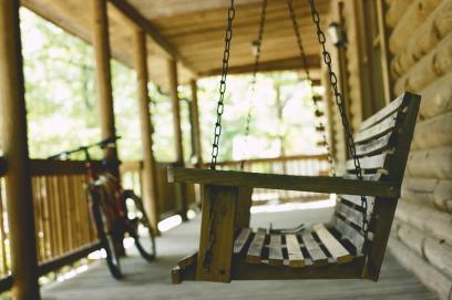 bench-1839735_1280