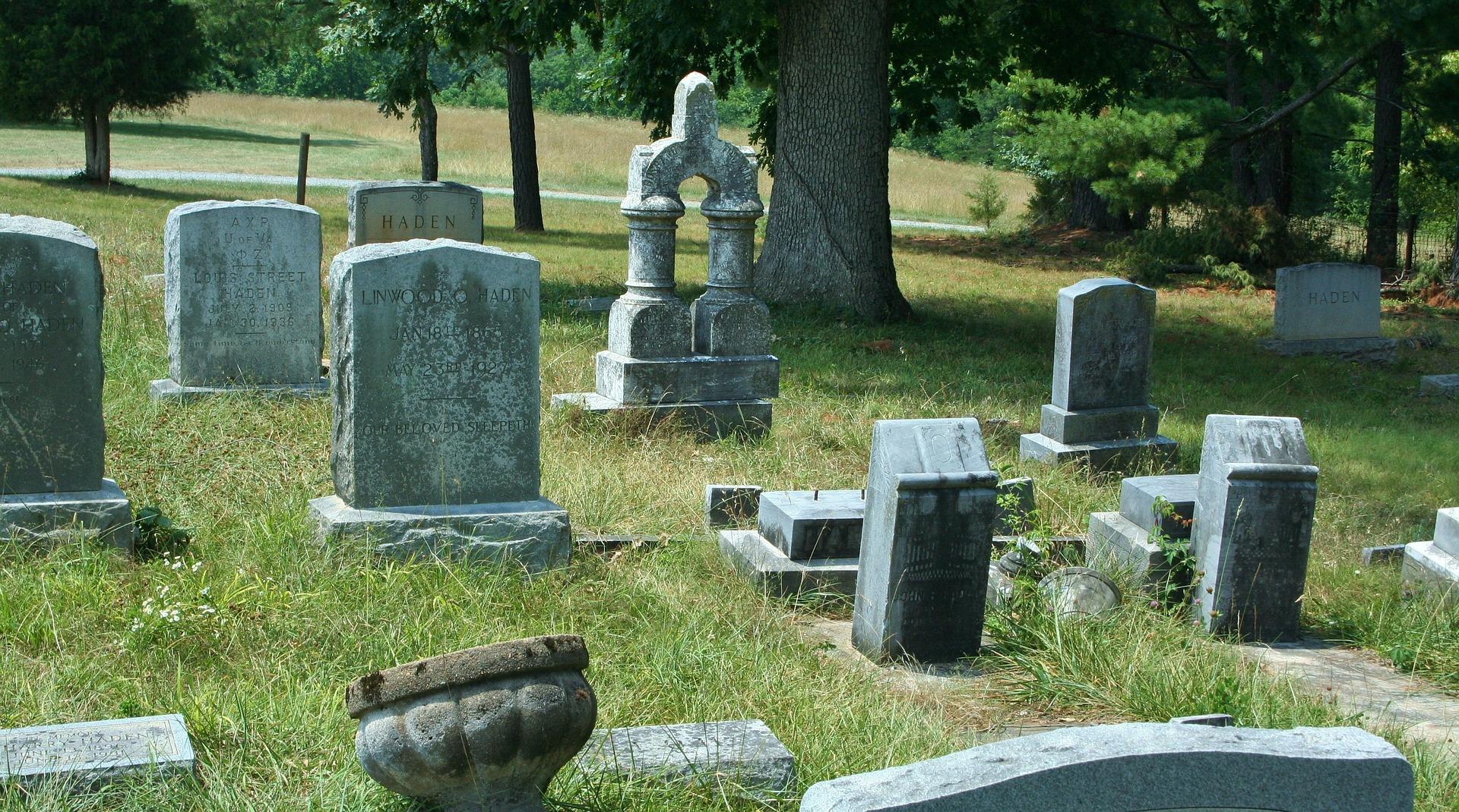 cemetery-51550_1920